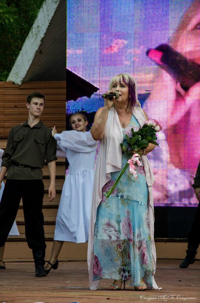 на дне  города   Псков