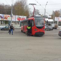 Красивый трамвайчик - красиво стоит (изображений 3)