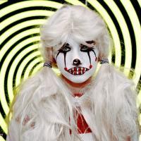 Вероника Шитова - Хэллоуин 2018 (изображений 10)   ― Вероника, кем ты была на Хэллоуине?― Папа, я была собой и говорила всем правду. Поверь, это очень страшно.
