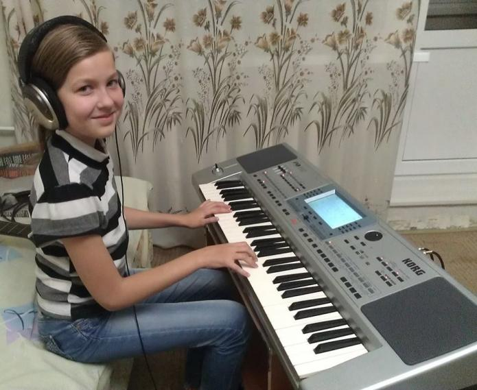"Таня ""за работой"" - главная певунья наша!"